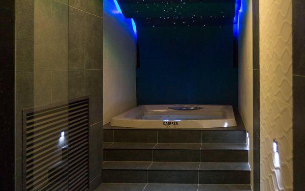 Turistický pokoj se společnou koupelnou pro patro (pro nenáročné)   2 osoby   3 dny (2 noci)   Období St 1. 9. – Pá 24. 9. 2021, St 29. 9. – St 27. 10. 2021, Po 1. 11. – Út 30. 11. 20212