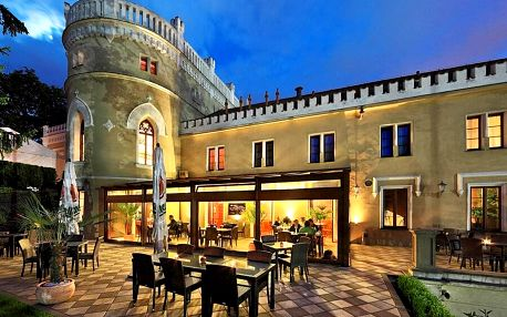Noc na zámku včetně polopenze
