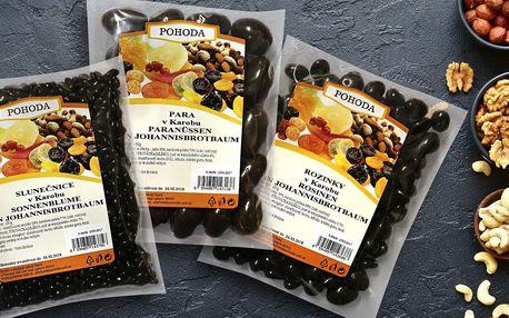 Zdravá alternativa k čokoládě: ořechy a ovoce v karobu