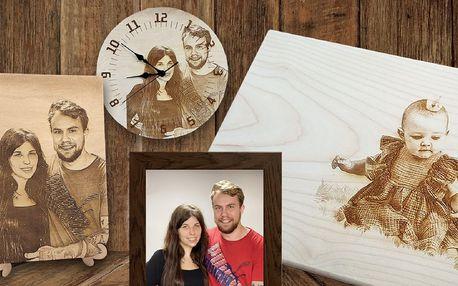 Fotografie vypálená na dřevo, prkénko i hodiny