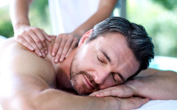 Klasická masáž zad a šíje (45 minut)4