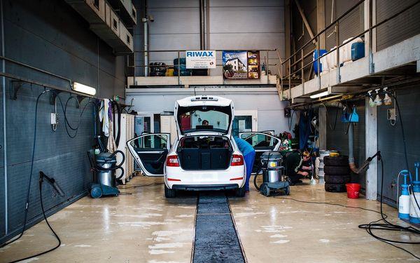 Komplet mytí, vosk, sušení, čištění interiéru a ochrana laku (program 3) vč. přepravy vozu v rámci Brna2