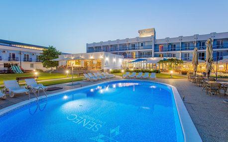 Výborný relax v Hotelu Senec na břehu Slunečních jezer hned při Aquaparku