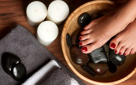 Mokrá pedikúra s možností laku, gel laku i masáže