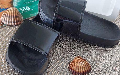 Dívčí pantofle černé 2048-X.B Velikost: 28 (18,5 cm)