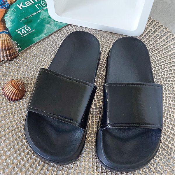 Dámské pantofle černé 2048B Velikost: 38 (24,5 cm)2