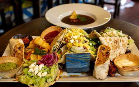 Mexiko pro dva: polévka, plato specialit a dezert