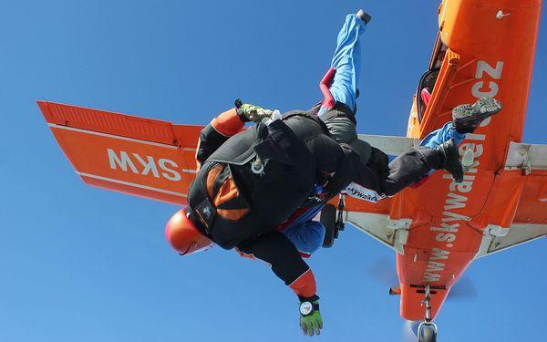 Tandemový seskok z výšky 4000 m4