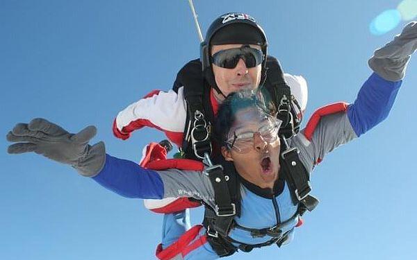 Tandemový seskok z výšky 4000 m5