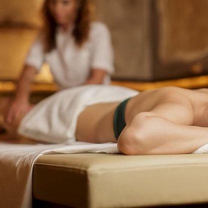 Uvolňující masáž zad, masáž obličeje a zábal