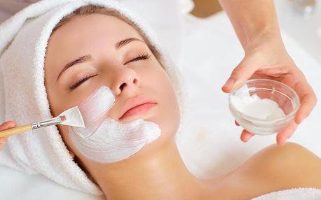 Kosmetická péče: základní i hydratační ošetření pleti