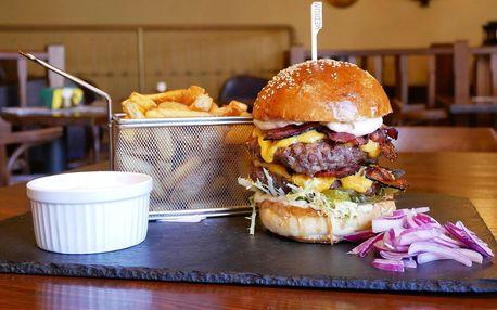 Dobrá Bašta: double jelení burger, hranolky a dip