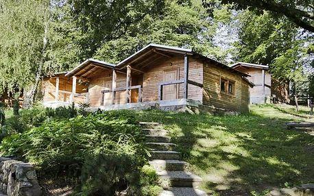 Lesní srubové chaty pro pár i rodinu