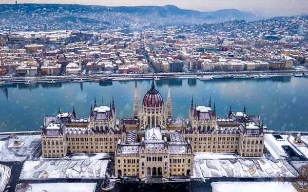 Předvánoční Budapešť s návštěvou termálů