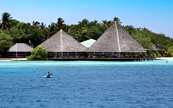Gangehi Island Resort, Severní Ari atol, letecky, plná penze2
