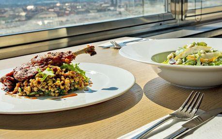 Obědové menu v Žižkovské věži a vstup na vyhlídku