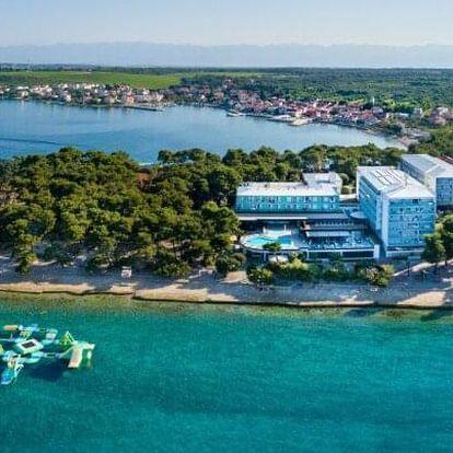 Chorvatsko: Jaro a léto 2022 hned u pláže v Hotelu Pinija **** se 2 bazény, wellness a animacemi + polopenze