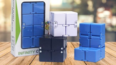 Antistresová kostka Infinity Magic Cube: 4 barvy