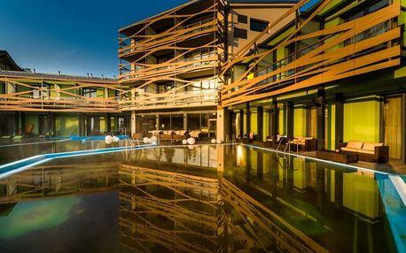 Pobyt v holistickém hotelu se vstupem do vodního parku a s přístupem k vnějším privátním bazénem, Nízke Tatry - Liptov