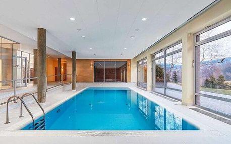 Orlické hory: Pobyt v Hotelu Říčky *** s neomezeným wellness s bazénem a vířivkou, polopenzí, vínem a dárkem