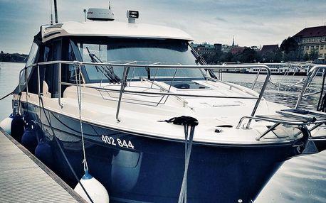 Celodenní kurz na luxusní lodi a kapitánské zkoušky