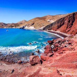 Barevné pláže v Řecku. Kam za nimi?